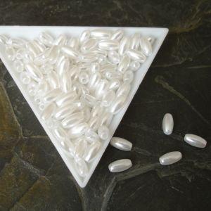 Plastové korálky rýže 8x4mm - bílé