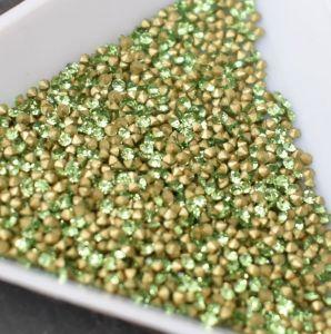 Skleněné šatony cca 1,4 - 1,5 mm - zelené světlé - 50 ks